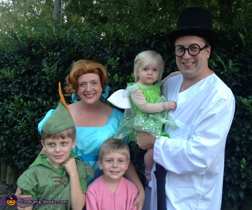 sc 1 st  Costume Works & Peter Pan Family Costume