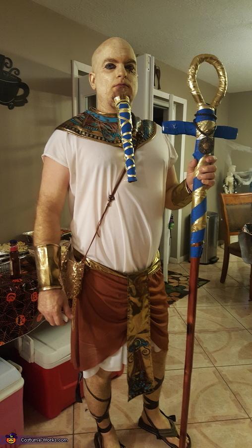 Pharaoh And Mummified Egyptian Priestess Costume Photo 3 4