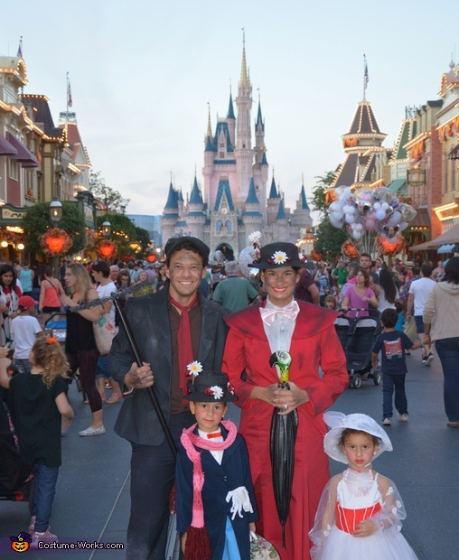 Halloween Family, Phases of Mary Poppins Costume
