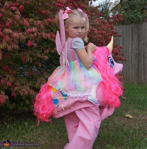Pinkie Pieu0027s back Pinkie Pie Costume  sc 1 st  Costume Works & Pinkie Pie DIY Costume for Girls - Photo 3/3