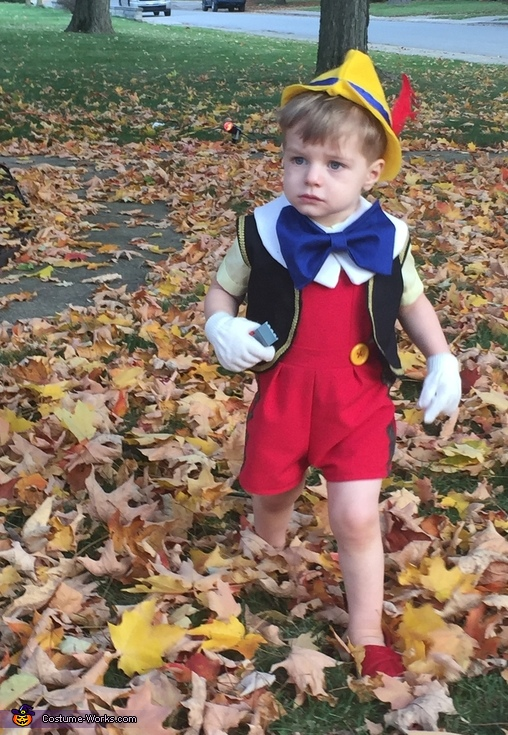 Pinnochio trick or treating, Pinocchio Costume