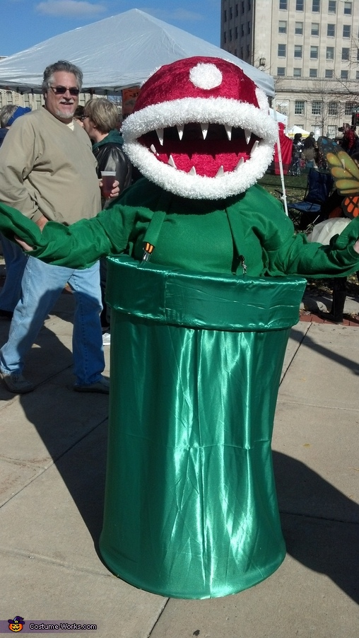 Super Mario Piranha Plant Costume