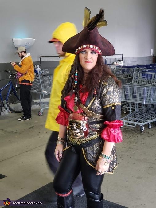 Lady Pirate Captain Costume
