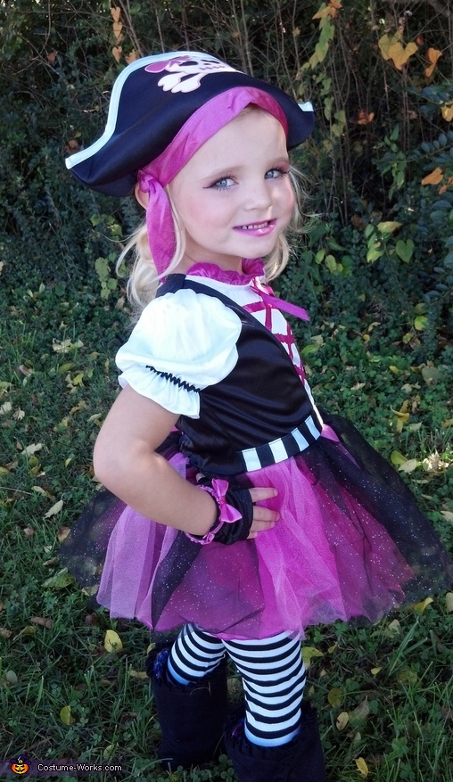 Pirate Girl Halloween Costume