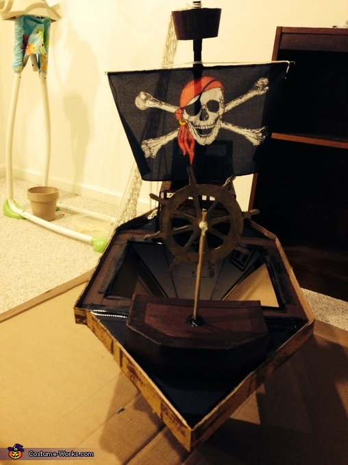 Front view of the ship, Pirate and his Ship Costume