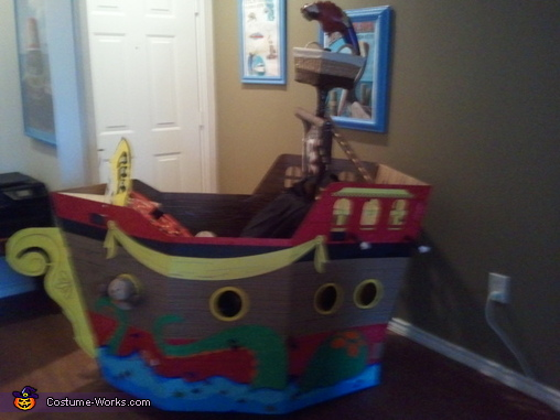 Side of Ship with Octopus, Pirate Pet Rescue Costume