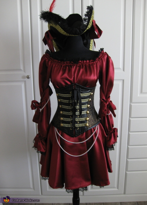 Front view, Pirate Wench Costume