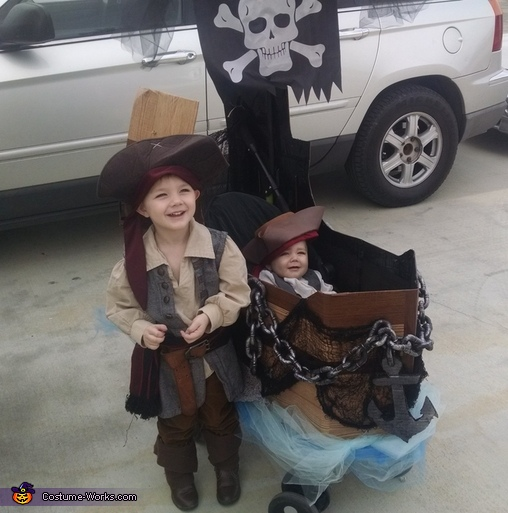 Pirates!, Pirates Family Costumes