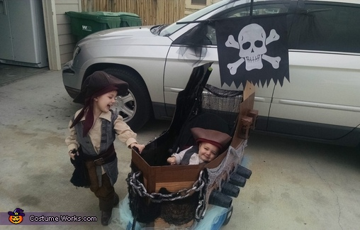 Ashton & Dean, Pirates Family Costumes
