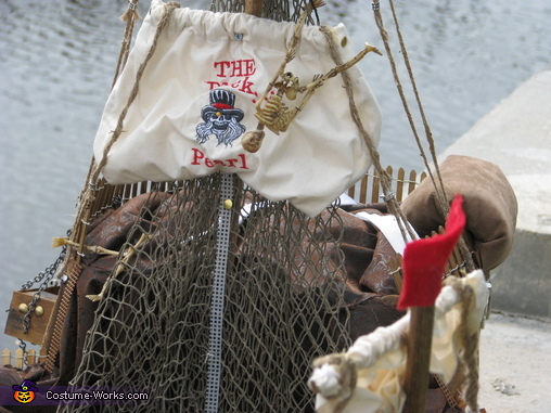 the black pearl flag, Pirates of the Caribbean Costume
