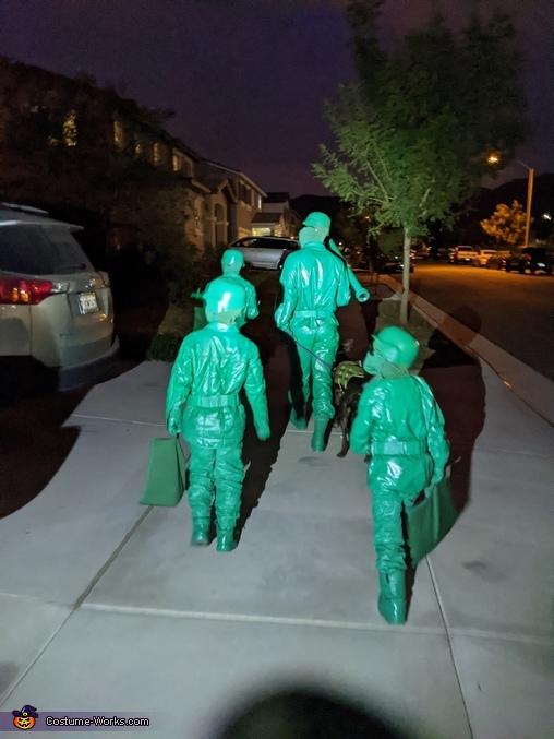 Plastic Army Men trick or treating, Plastic Green Army Men Costume