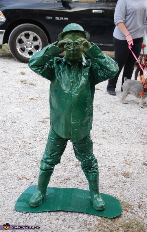 Green Plastic Toy Army Man - Homemade costumes for boys