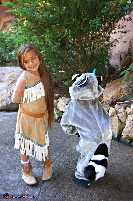 Pocahontas and Meelo cute  sc 1 st  Costume Works & Pocahontas and Meeko Kids Halloween Costumes - Photo 4/5