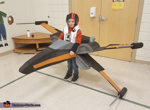 Poe Dameron and his X-Wing Homemade Costume