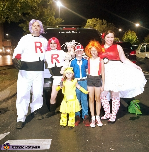 Pokemon Crew, Pokémon Family Costume
