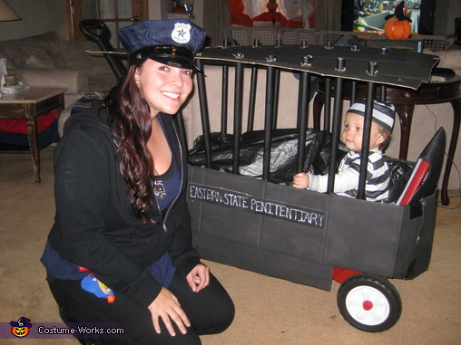 15 best matching diy costumes for babies and parents diy matching costumes for babies and parents police officer and inmate halloween costume solutioingenieria Images