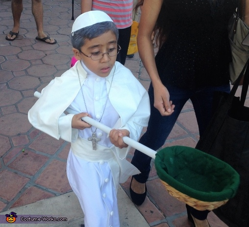 His Holiness making the rounds., Pope Francis Costume