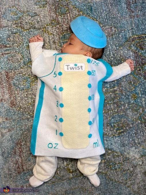 Kiinde Twist Milk Pouch costume, Pouchies Costume