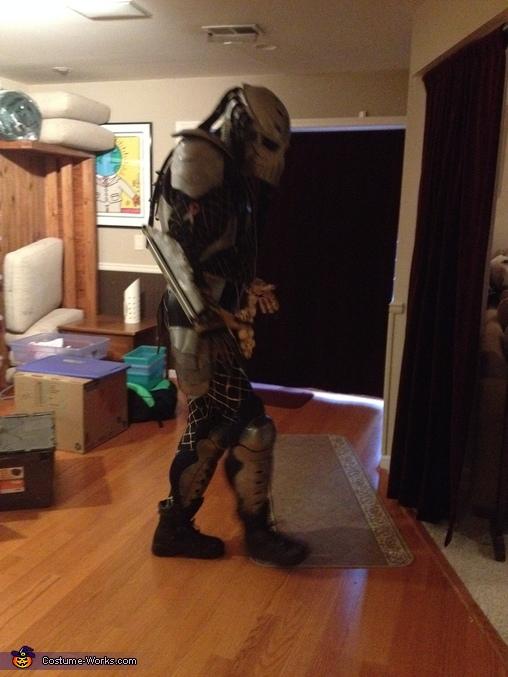 MOON WALK, Predator Costume