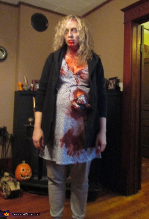 Pregnant Zombie Costume - Photo - 143.4KB