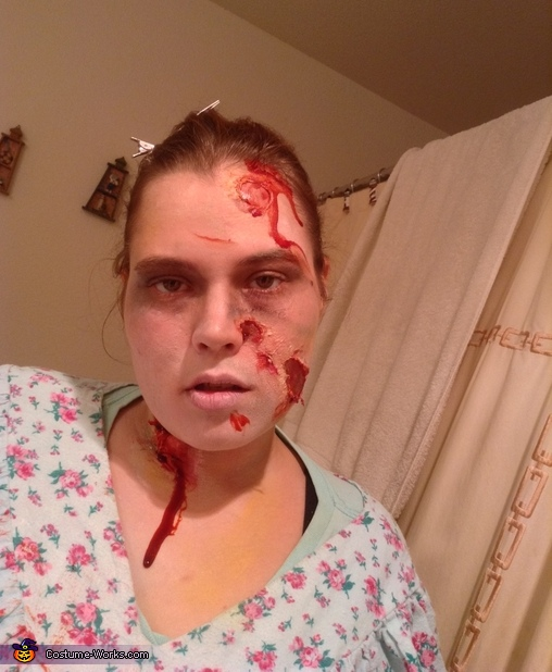 close ups, Pregnant Zombie Costume