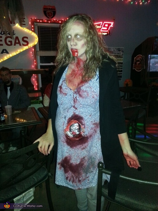 Pregnant Zombie Costume - Photo - 152.0KB