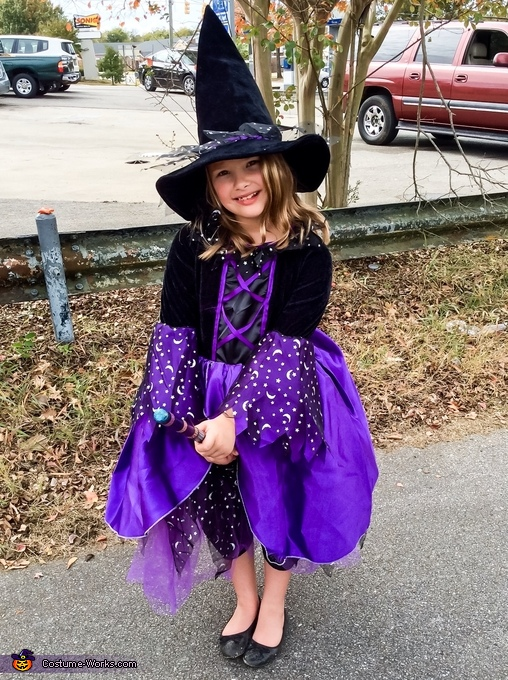 Pretty Witch Costume