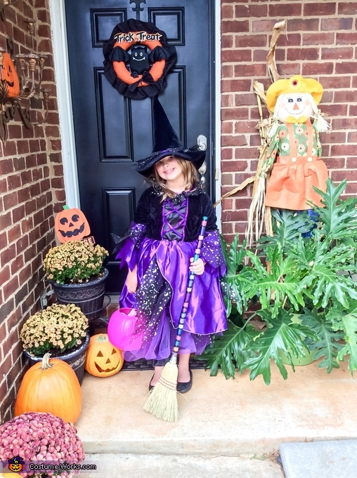 Makenzie ( pretty witch) age 8, Pretty Witch Costume