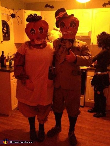 Primitive Pumkinheads Couple Costume