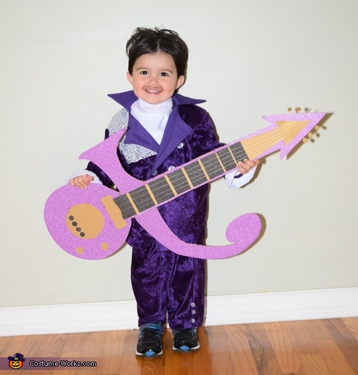 Little happy Prince with his guitar, Prince, Purple Rain & When Doves Cry Costume