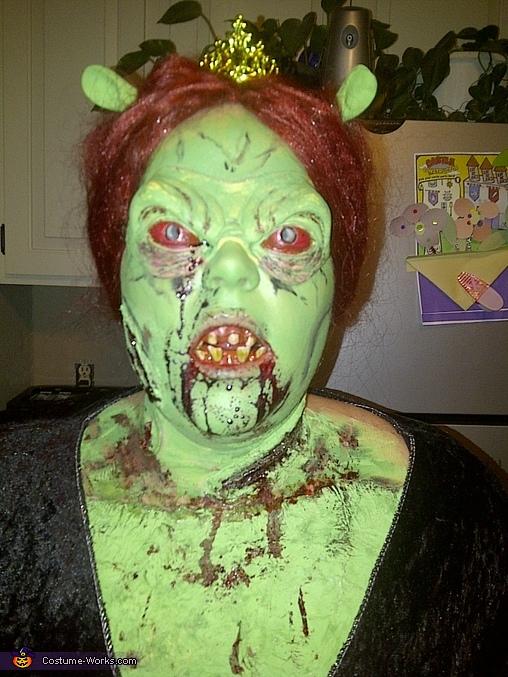 whoaa, Princess Fiona Zombie Costume