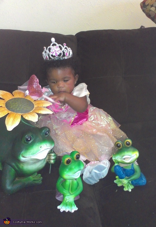 Time for a nap my courtship!, Princess & Her Frogs Costume