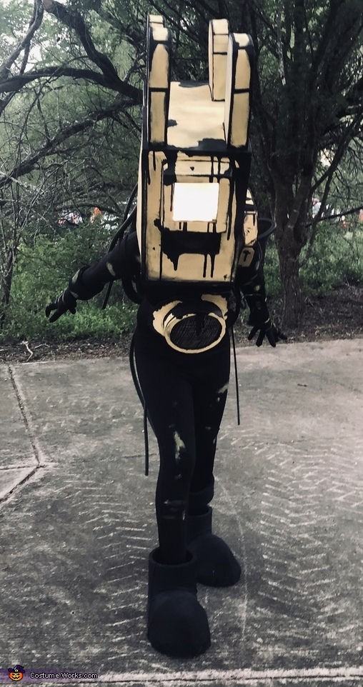 Run, Projectionist from Bendy and the Ink Machine Costume