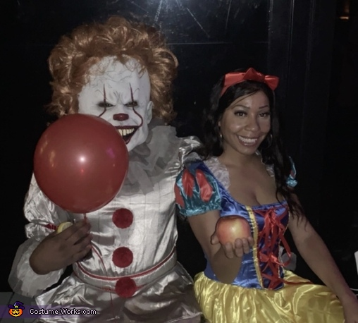 Pennywise wants Snow White to float too!, Pure Evil Costume