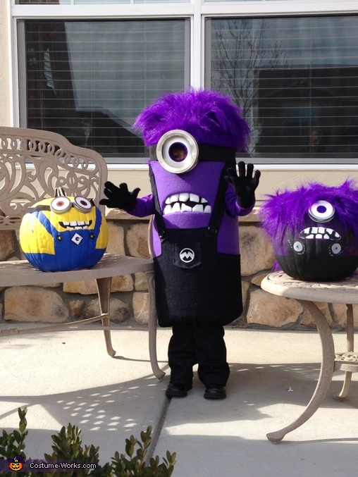 Double Wave!, Purple Minion Costume