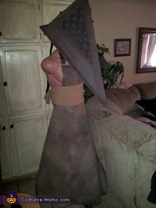 mock up pyramid head, Pyramid Head & Claudia Wolf Costume
