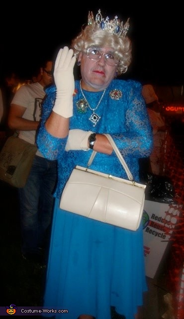 The Queen Homemade Halloween Costume