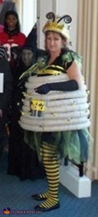 Queen Bee in her hive, Bee Keeper and his Queen Bee Couple Costume
