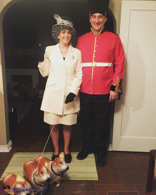 Queen Elizabeth and Guard Costume
