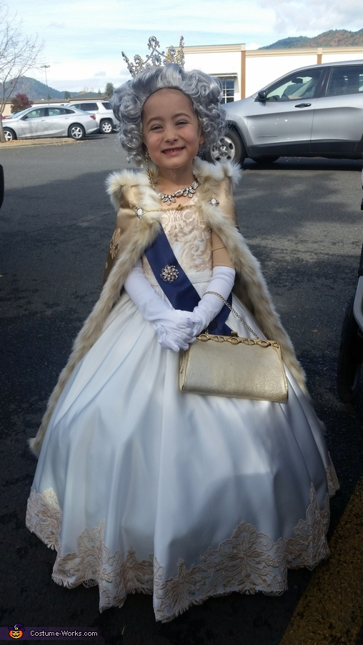 Queen Elizabeth II Costume
