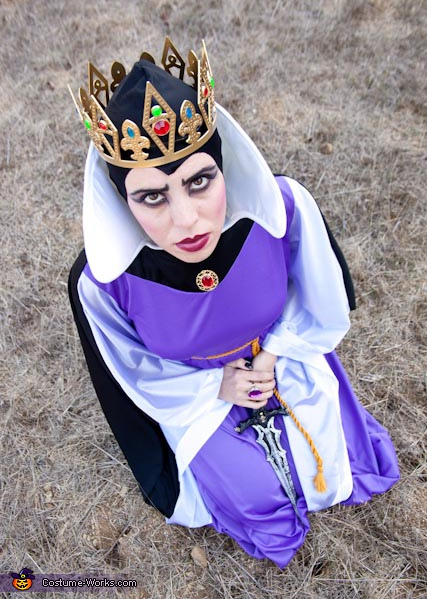 Queen from Snow White - Homemade costumes for women