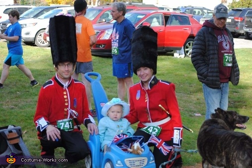 The Queen in her Royal Carriage, Queen of England and her Royal Guards Costume