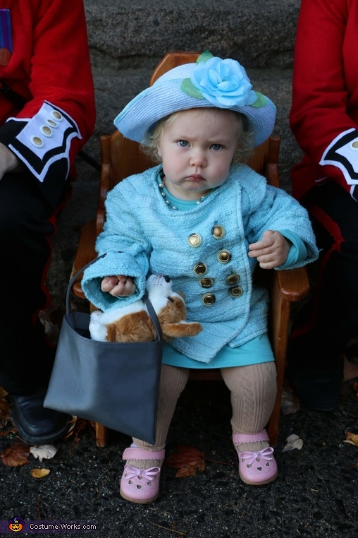 The English Frown, Queen of England and her Royal Guards Costume