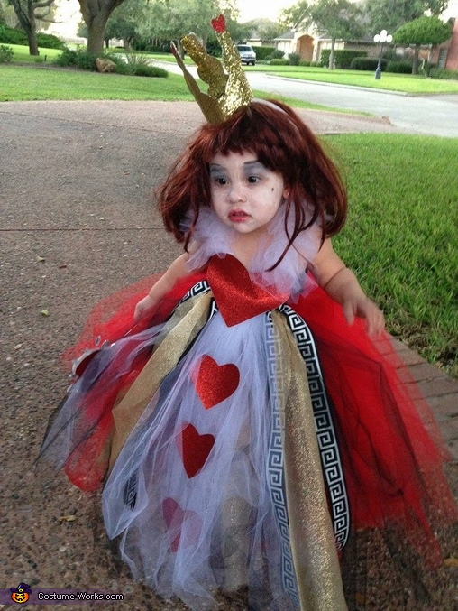 Homemade Queen Of Hearts Costume For Girls