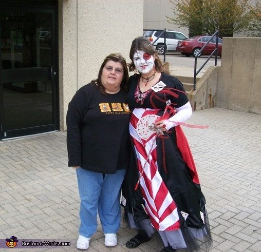 Queen of Hearts and her mom, Queen of Hearts Costume