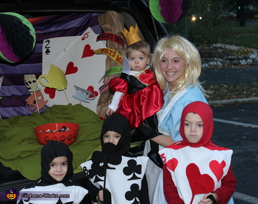 Queen of Hearts and her Card Soldiers Family Costume