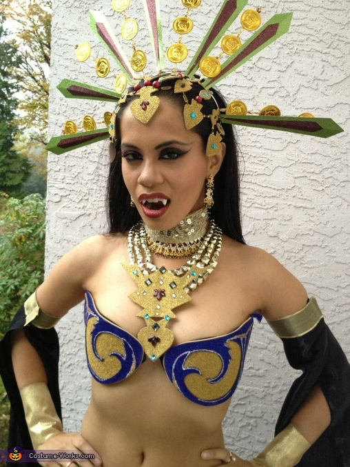 Akasha Queen of the Damned, Queen of the Damned Costume