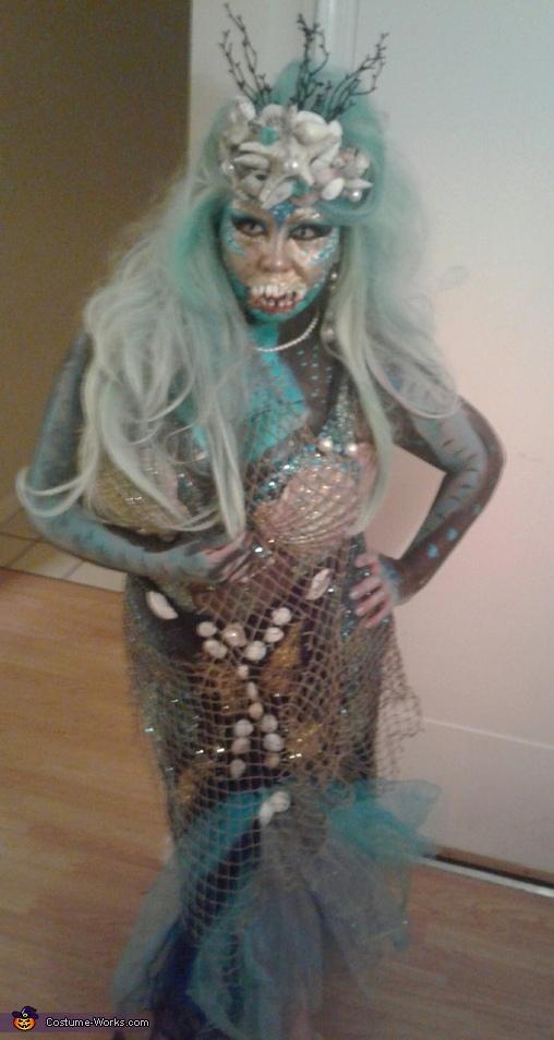 Queen of the Dark Sea Costume
