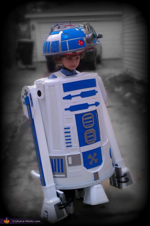 R2-D2 - Homemade costumes for kids
