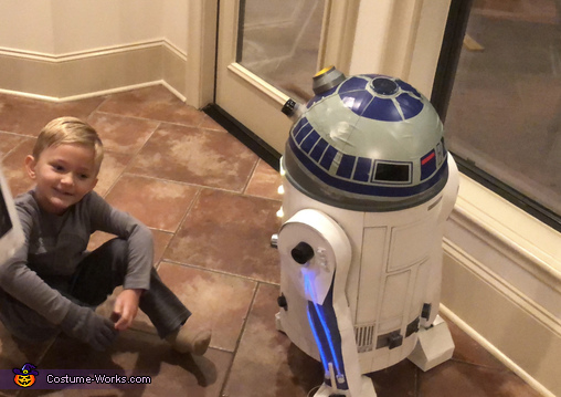 Admiring the finished R2D2, R2D2 Costume